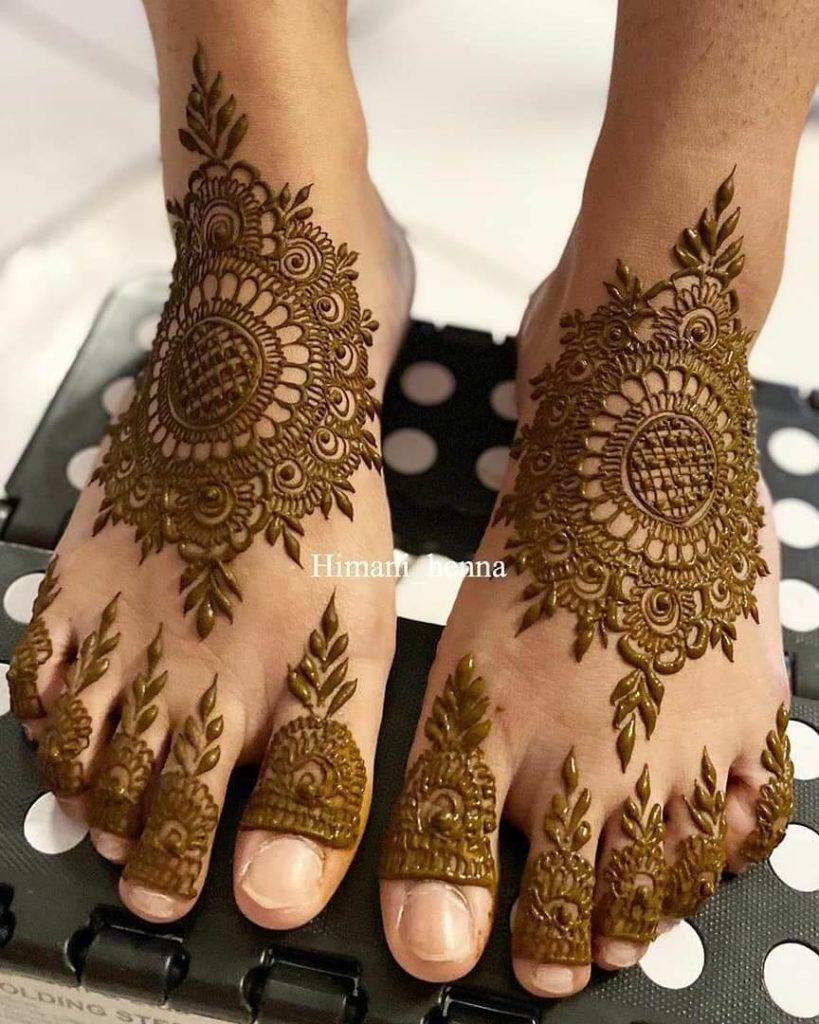mehndi design feet simple