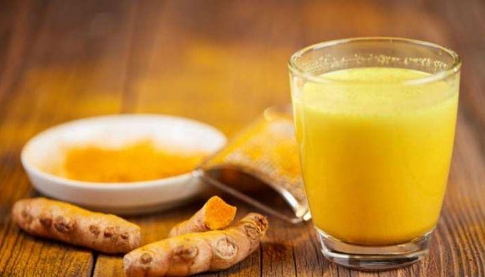 हल्दी दूध के फायदे और नुकसान