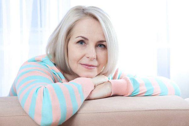 महिला की कितनी उम्र तक सम्बन्ध बनाने की इच्छा होती हैं